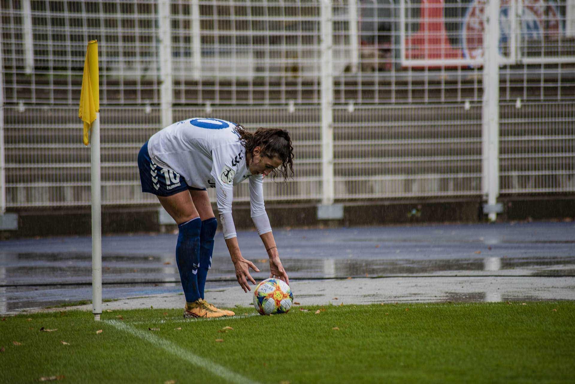 Stürmische Zeiten im Jenaer Paradies .. FF USV JENA vs. Wolfsburg am Sonntag ab 14.00 Uhr