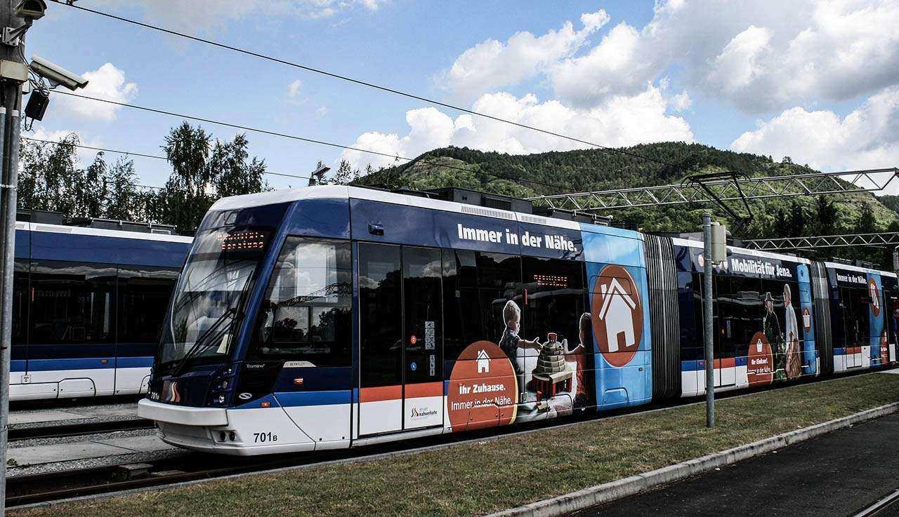 Jena, Bus und Straßenbahn - Türen öffnen automatisch
