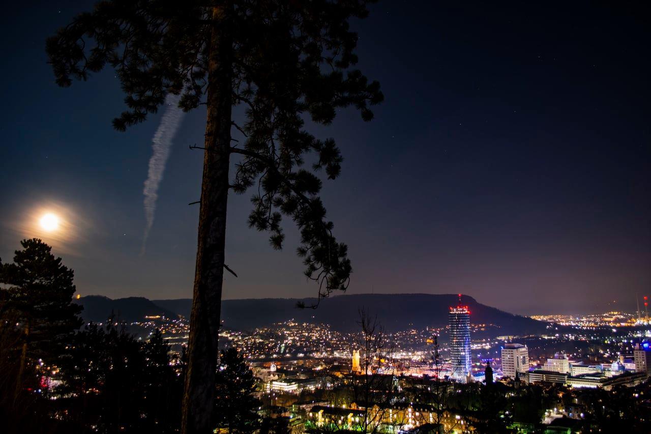 Nachtpanorama von Jena, Langzeitbelichtung und Lichtexperimente